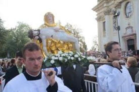 BIBLIA vs MARIANSKÝ KULT / Panna Maria